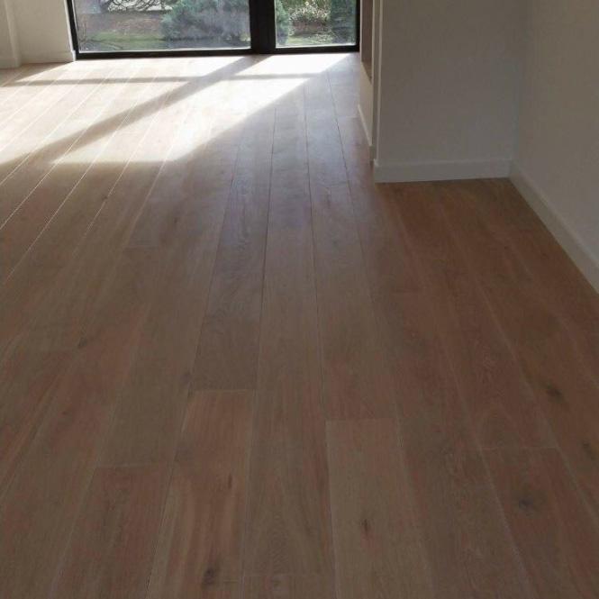 planken vloer schuren en lakken